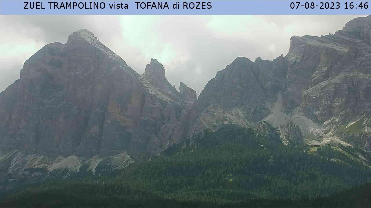 Rifugio Lagazuoi con vista sulla Tofana di Rozes